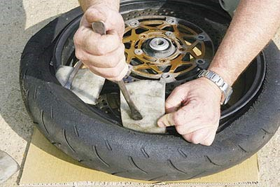 Fitting Motorcycle Tire